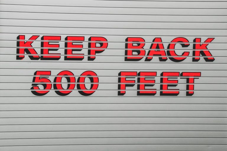 Keep back 500 ft